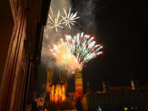 """Novoroční ohňostroj připomene 40. výročí narození """"hradeckého"""" architekta Josefa Gočára"""