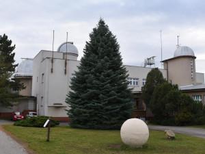 Hradecká hvězdárna za pět let zvýšila počet návštěvníků takřka o polovinu, nyní plánuje modernizaci