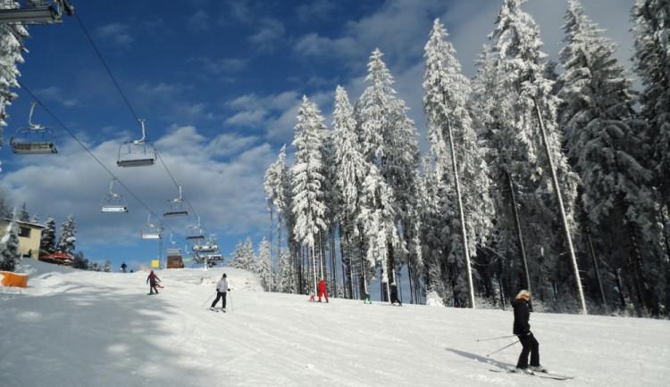 Ve SkiResortu Černá hora - Pec a ve Skiareálu Špindlerův Mlýn lyžovalo o víkendu více než 20.000 lidí