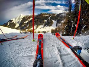 Na východě Čech tisíce lidí strávily víkend lyžováním