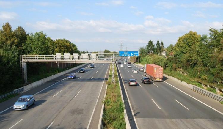 Dálnice D11 mezi Trutnovem a hranicemi se začne stavět v roce 2024. Získala územní rozhodnutí