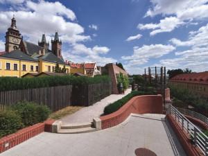 Jižní terasy vHradci Králové se přejmenují. Říkat jim budeme po Karlu Otčenáškovi