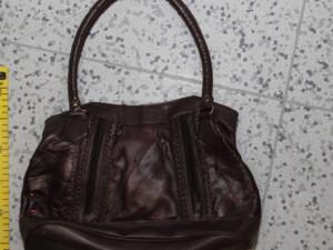 Nechat kabelku bez dozoru je risk. Rychnovští a hradečtí policisté řešili hned 3 případy krádeží