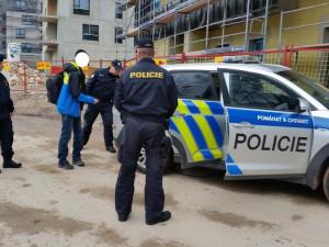 Cizinecká policie se na Rychnovsku pustila do kontrol. Čtyři cizince čeká vyhoštění