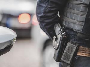 Muž vpodmínce ukradl čokoládu, auto a pod vlivem drog se nechal chytit