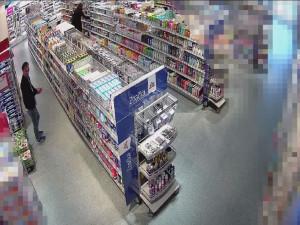 VIDEO: Zubní hygiena nadevše. Zloději ukradli kartáčky za víc než 12 tisíc korun