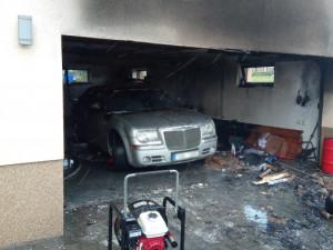 VRychnově nad Kněžnou lehla popelem autodílna. Majitele dopravil vrtulník do nemocnice