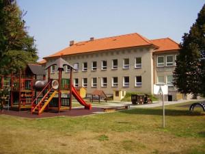 Hradec Králové se chystá na otevření vybraných mateřských škol. Fungovat budou v omezeném režimu. Otevření školek a jeslí má v plánu i Trutnov