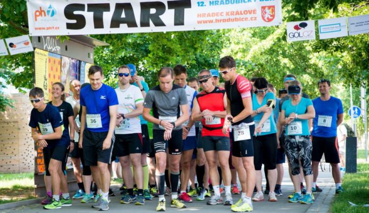 Účastníci Hradubického běhu nebudou startovat hromadně. Akce bude rozložena do dvou dnů