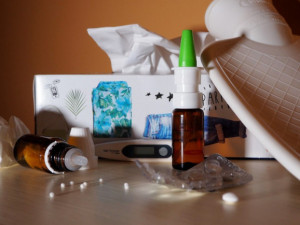 Lidé, kteří v práci onemocněli COVIDEM-19, by mohli mít odškodné