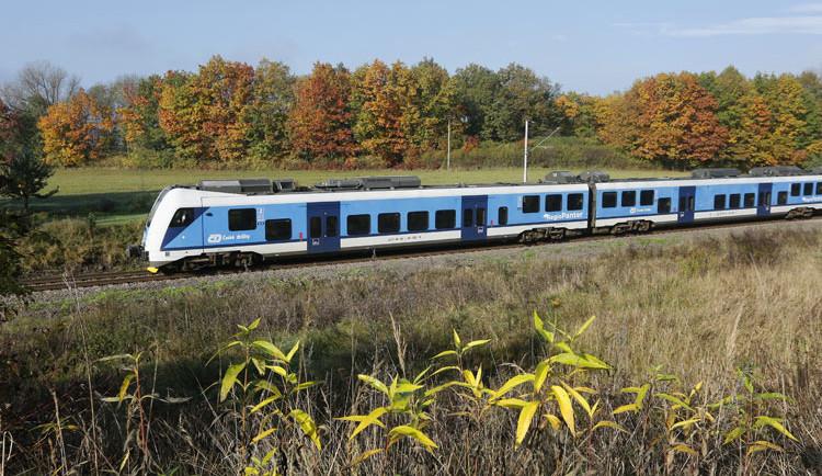 V hradeckém kraji se zítra vrátí většina vlakových spojů na železnici