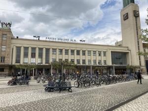 Vlakové nádraží v Hradci Králové čeká rekonstrukce za 2,5 miliardy korun. Práce budou tři roky komplikovat dopravu