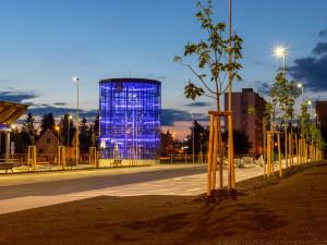 FOTO: Autobusový terminál v Jaroměři je dokončený. Do léta bude prázdný