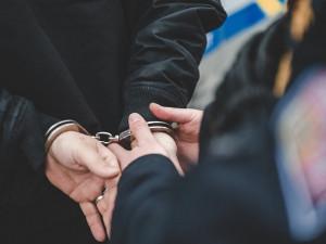 VIDEO: Muž půjde už po dvacáté k soudu. Krádežemi si zajistil ubytování až na 8 let