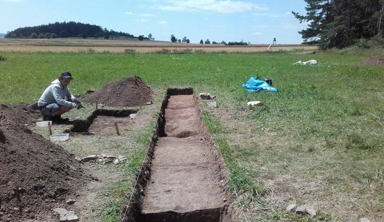 Archeologové na Rychnovsku narazili na pohřebiště z doby železné. Za posledních deset let je to nejbohatší naleziště