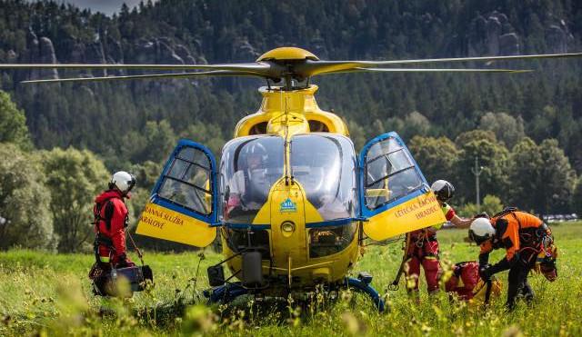 V Adršpašských skalách se zranil horolezec. Musel pro něj vrtulník