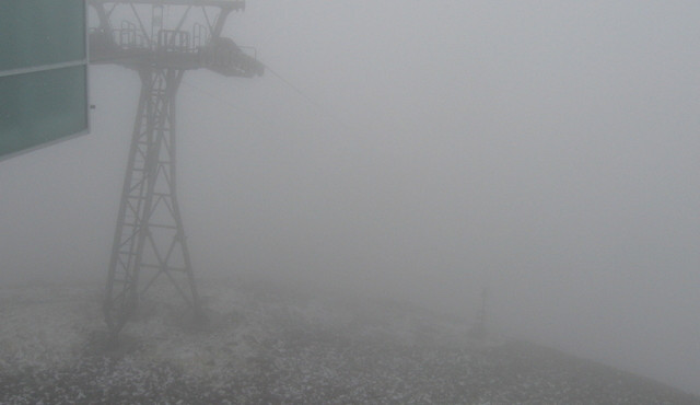 Silný vítr opět znemožnil spuštění horního úseku lanovky na Sněžku