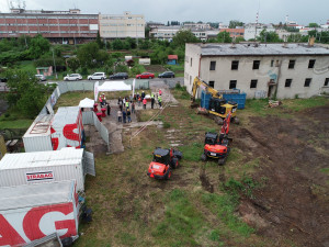 FOTO: Začala stavba odlehčovací služby Honkova v Hradci Králové