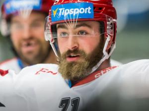 O dresy hradeckých hokejistů byla mela. Největší zájem byl o ten Matěje Chalupy
