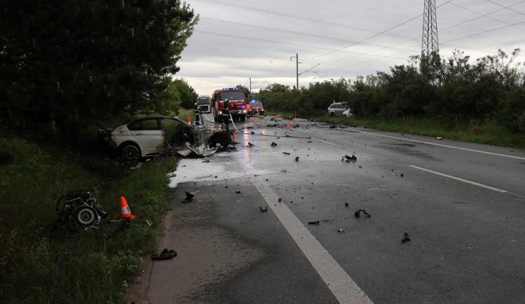 Tragická nehoda u Černožic má smutnou dohru. Lidé se na sociálních sítích pustili do jednoho z řidičů