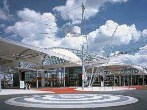 Na terminálu v Hradci Králové autobus srazil ženu, na místě zemřela