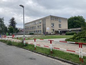 Rekonstrukce ZUŠ Střezina v Hradci Králové začne příští rok. Hotové je zatím parkoviště před školou
