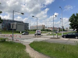 Semafory se na křižovatku u nemocnice v Hradci Králové jen tak nevrátí. Můžou za to majetkové vztahy, zní z radnice