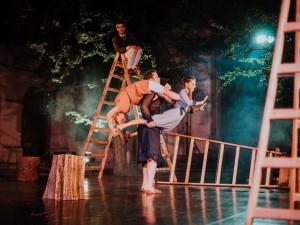 SOUTĚŽ: Vyhraj si vstupenky na divadelní Open Air Program. Představení z auta nakonec sledovat nebudeme