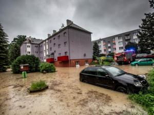 VAROVÁNÍ: Extrémně vydatný déšť dnes zasáhne východní Čechy. Hasiči jsou v pohotovosti