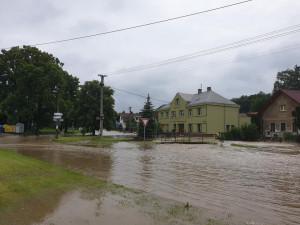 Mezi obce zasažené povodněmi rozdělí Královéhradecký kraj tři miliony korun