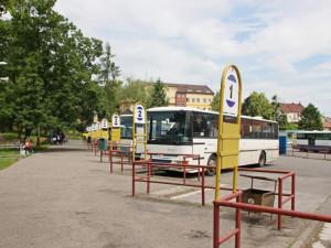 Autobusové nádraží ve Dvoře nově ohlídají kamery