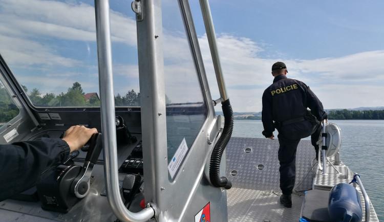 Policie spustila preventivní akci. Zaměřuje se na rekreační areály, vodní plochy i silnice
