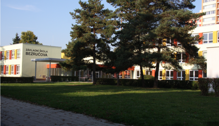Na hradeckých základních školách se bude o letních prázdninách rekonstruovat