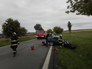 Frekventovaná silnice u Bílého Újezdu je po nehodě tří aut opět průjezdná
