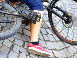 Víkend ve znamení cyklistů pod vlivem alkoholu. Rekordmanka po nehodě nadýchala 2,5 promile