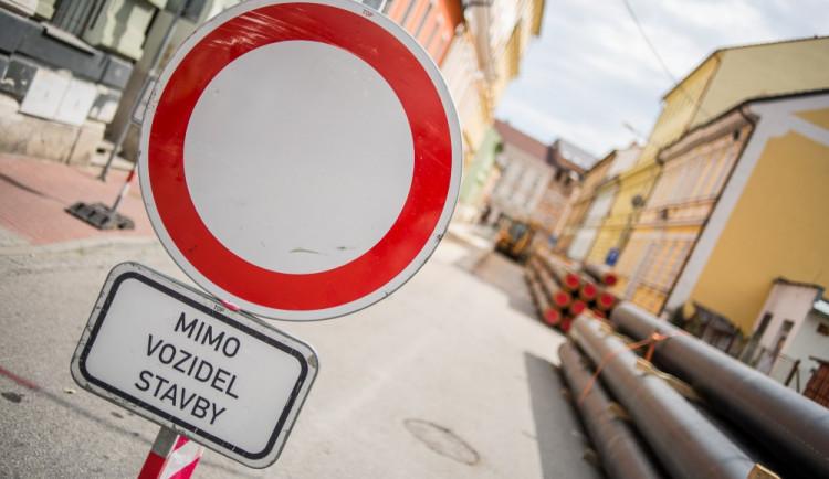 Na seznam opravovaných silnic je připsáno 12 nových úseků. Stát budou bezmála 250 milionů korun