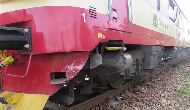 V Pouchovské ulici v Hradci Králové dnes odpoledne usmrtil vlak člověka