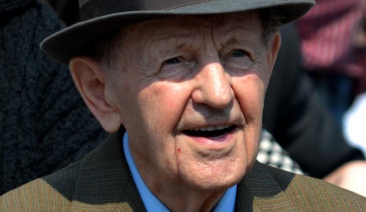 Zemřel bývalý komunistický funkcionář Miloš Jakeš. Bylo mu 97 let