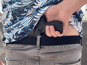 V Královéhradeckém kraji stoupá počet legálně držených zbraní. Nosit jí u sebe může každý padesátý