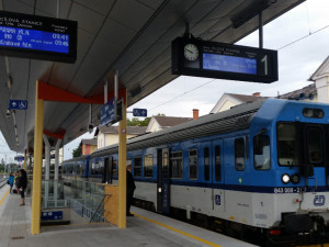 FOTO: Rekonstrukce nádraží v Jaroměři finišuje, dodělávají se jen drobné práce