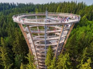Na Stezku korunami stromů Krkonoše letos vyrazilo méně lidí. Přišla zhruba o 20 tisíc turistů