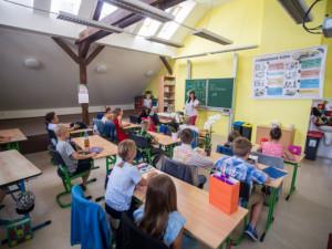 Královéhradecký kraj chce zabezpečit některé střední školy. Chce tak předejít tragédiím