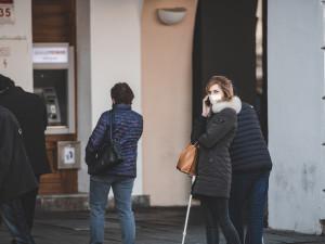 Počet případů koronaviru v Královéhradeckém kraji roste. Za týden přibylo 55 nemocných