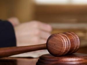 Hradecký soud potrestal útoky na zábavách podmínkami
