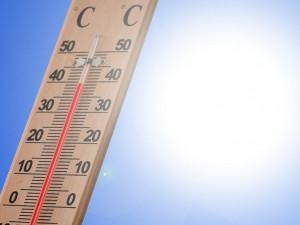 Východní Čechy potrápí vysoké teploty a silné bouřky, meteorologové aktualizovali výstrahu