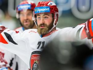 Hokejový útočník Matěj Chalupa z Chicaga začne sezonu v Hradci Králové