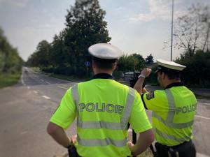 Policisté chystají další dopravně bezpečnostní akci zaměřenou na rychlost a pásy. Na silnicích budou od zítřejšího dne až do neděle