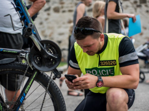 Městská policie v Hradci Králové se zaměří na cyklisty. Velice často jezdí například po chodnících