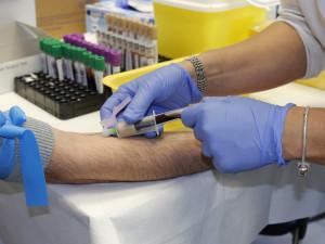 Nemocnice v kraji chtějí od státu 235 milionů korun. Hodlají je rozdělit zaměstnancům za službu během pandemie