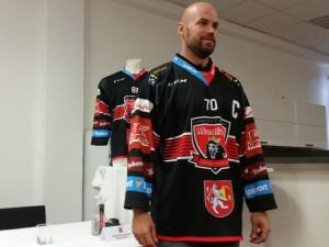 Hradec představil nové dresy na nadcházející sezónu. První utkání sehraje s českobudějovickým Motorem